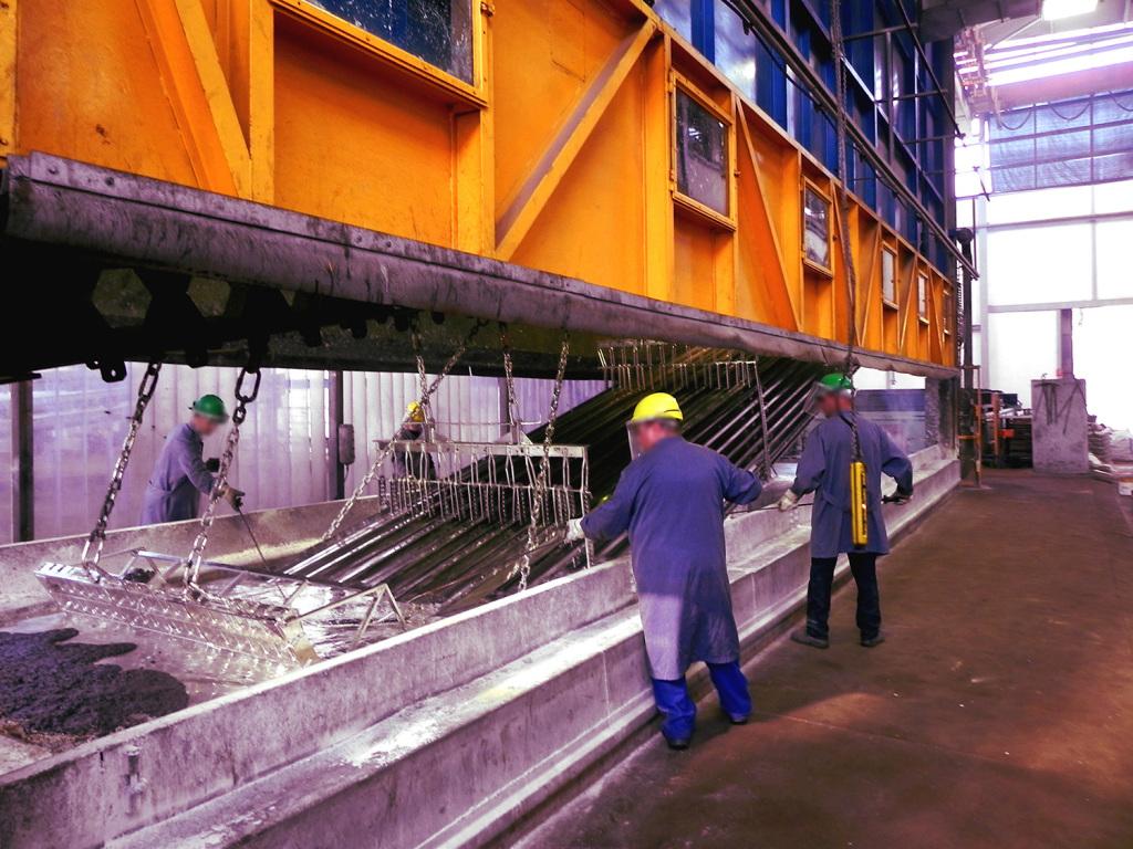 Axial solar materiales estructurales en acero y aluminio