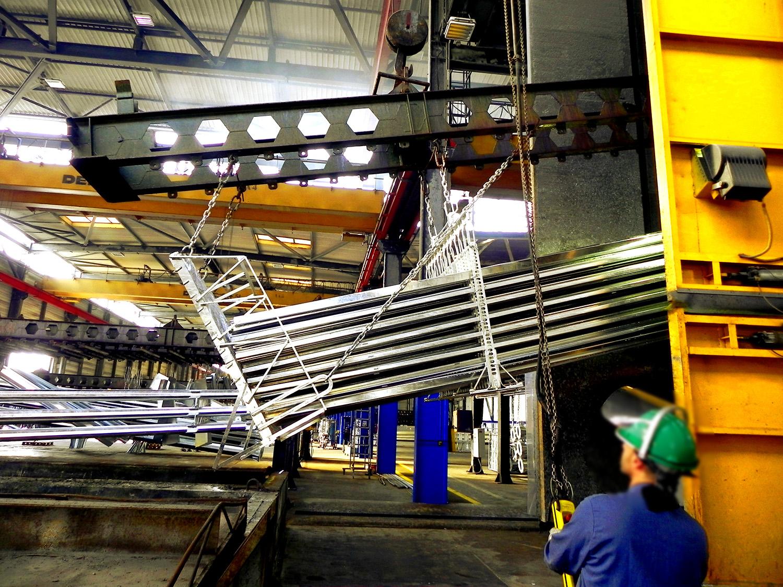 Axial solar fabricación de estructuras fotovoltaicas