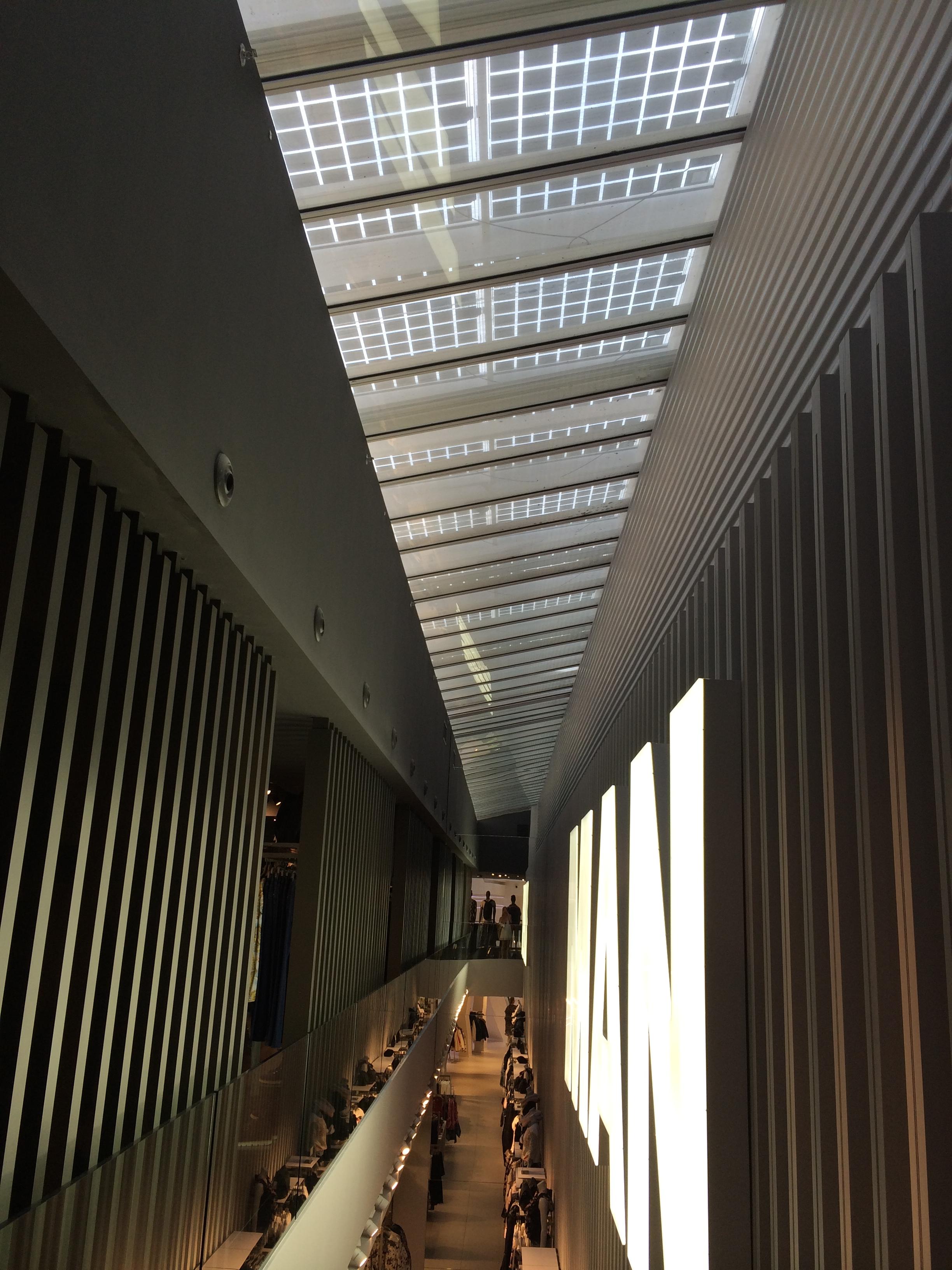 Axial Solar Techo Tienda Bershka Valencia